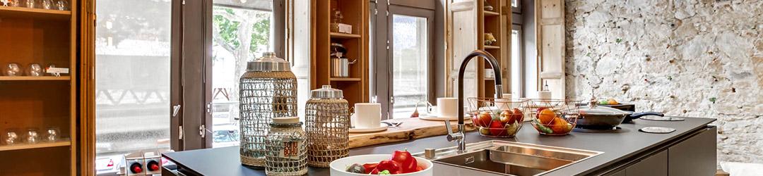 Exemple cuisine équipée Sogedis avec lavabo